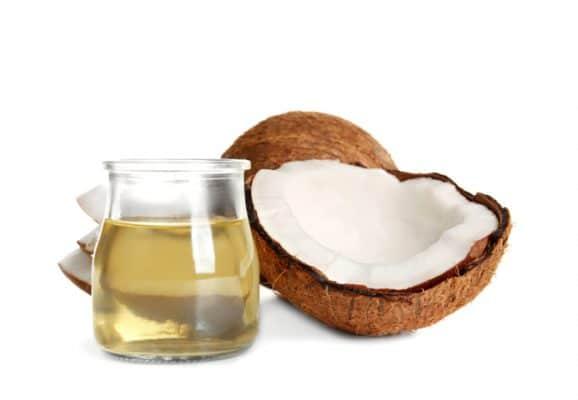 Kokosöl ist kein Gift im Hundenapf